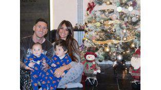 ¿A quién se parece? Messi mostró la carita de su hijo Mateo por primera vez