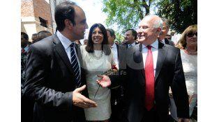 Sonrientes. El intendente y el gobernador
