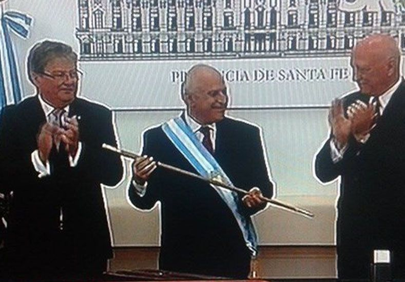 Lifschitz recibió los atributos del mando en una emotiva ceremonia en la Casa Gris