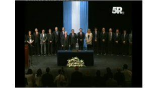 #ENVIVO: el Gobernador toma juramento a sus ministros