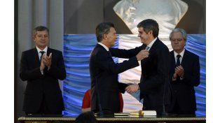 Mauricio Macri le toma juramente al jefe de Gabinete