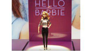 Las nuevas muñecas Barbie espían a los niños