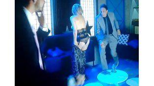 Una actriz brasileña prometió desnudarse si un equipo ascendía...y cumplió