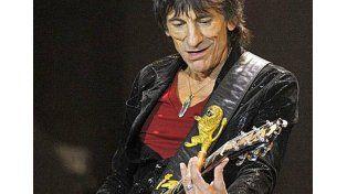 A los 68 años, el guitarrista de Los Rolling Stones, Ron Wood, será padre de mellizos