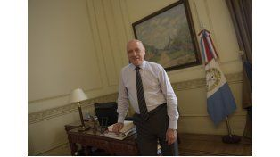 El gobernador Antonio Bonfatti reconoció que le da una cuota de crédito al nuevo gobierno.
