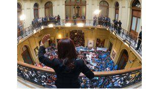Cristina Fernández cesará en el cargo cuando el jefe de Estado entrante
