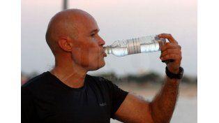 Beneficios. El agua ayuda a regular la temperatura corporal