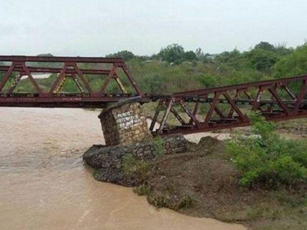 Temporal en el norte argentino: se cayó un puente por donde pasa el Tren de las Nubes
