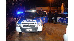 Conmoción en barrio Loyola: hubo tiros, un herido, un detenido y una casa quemada