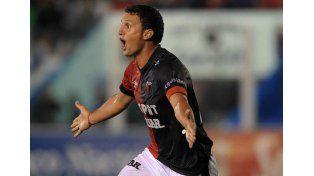 Pablo Ledesma comenzó a despedirse como jugador del Sabalero / Foto: Telam