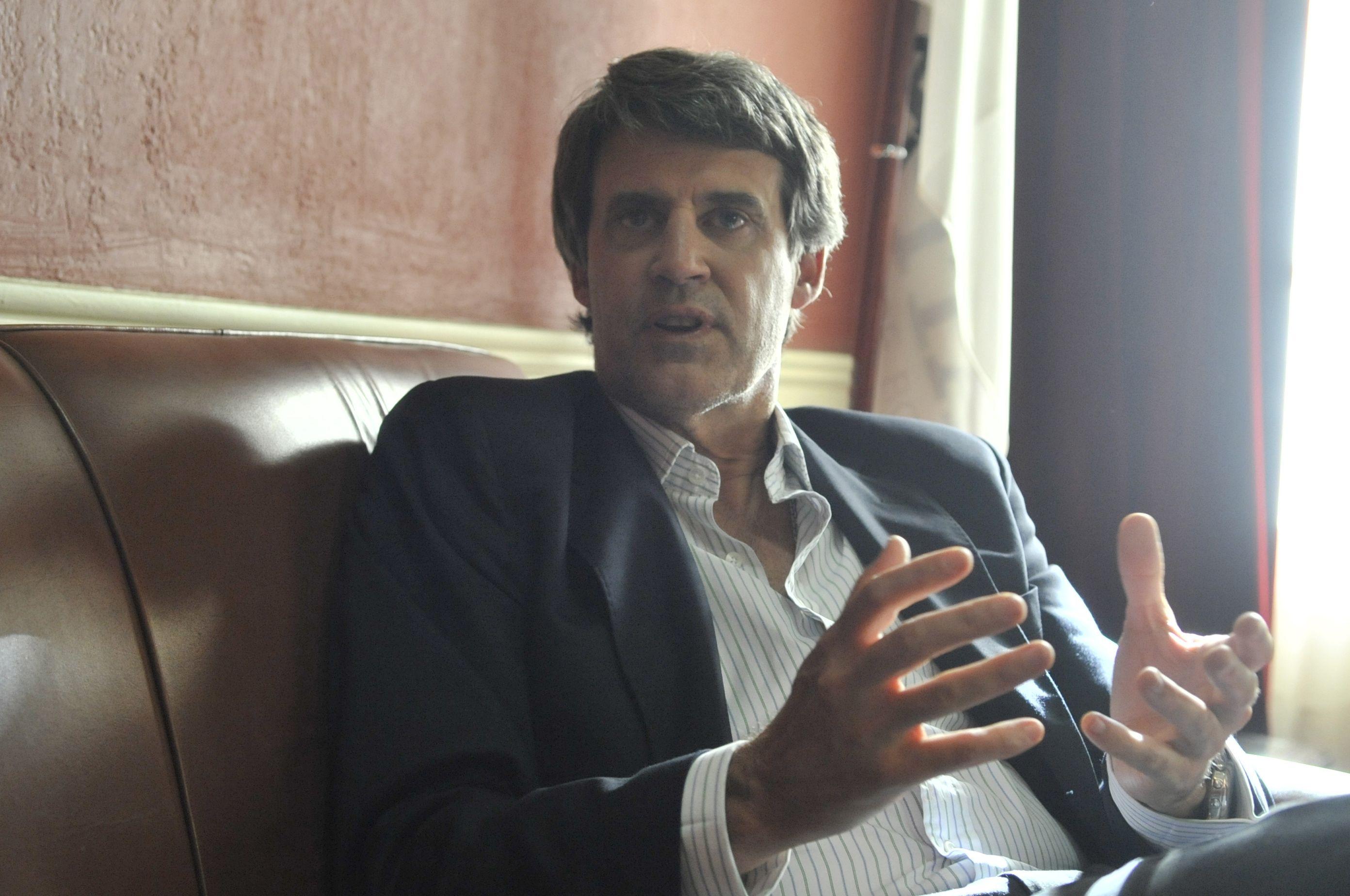 """El ministro de Hacienda busca un """"shock de liquidez"""" para manejar el mercado cambiario.(Néstor Juncos / La Capital)"""