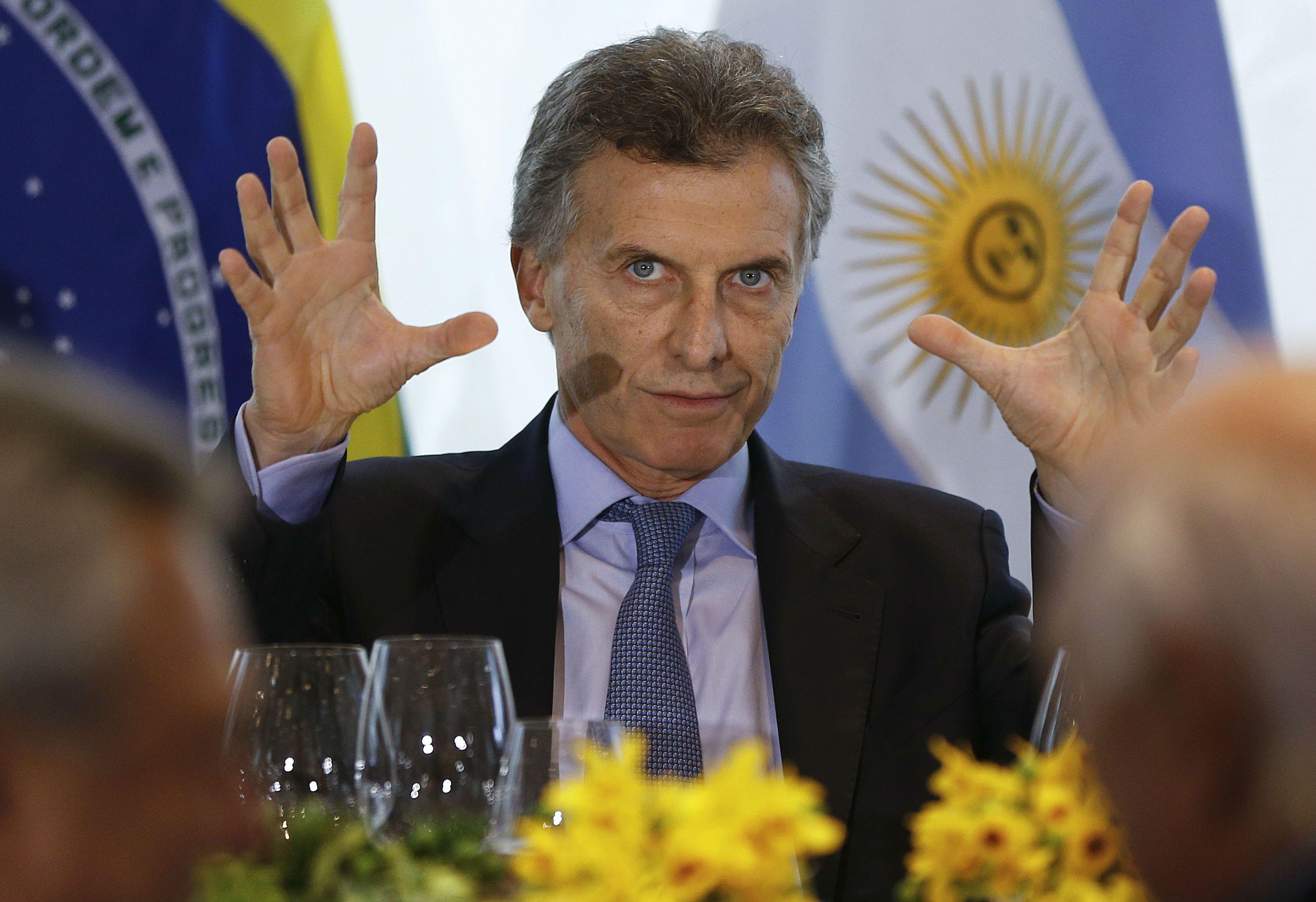 El presidente electo Mauricio Macri intentó seducir a los industriales brasileños para que inviertan en la Argentina.