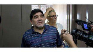 Después del bypass gástrico, Maradona se mostró con 15 kilos menos