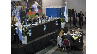 Insólito: la Asamblea de AFA pasó a cuarto intermedio tras el empate en las elecciones por un voto impugnado