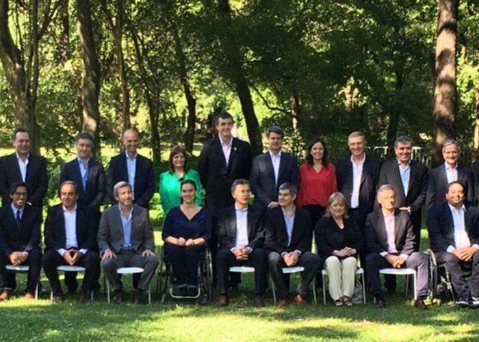 Macri presentó a todo su gabinete en el Jardín Botánico porteño.