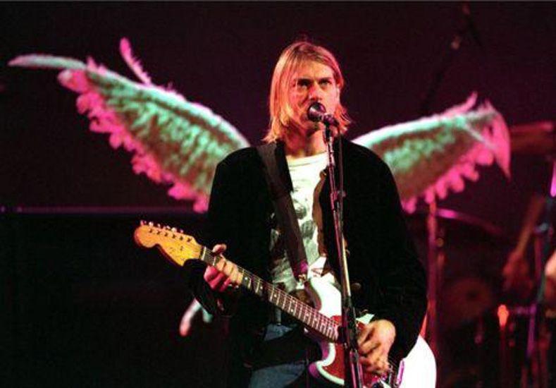 Cobain. Se suicido a los 27 años tras una larga depresión que lo alejó de los escenarios y los estudios de grabación.