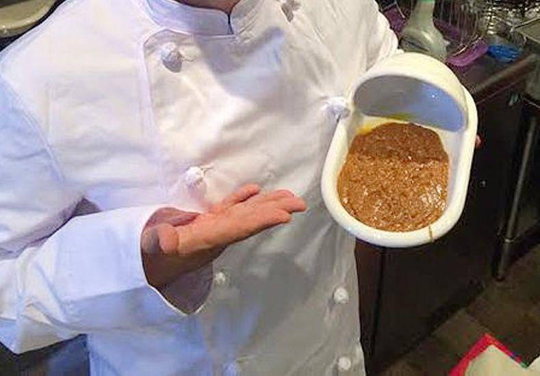 Restaurante japonés ofrece un estofado de caca