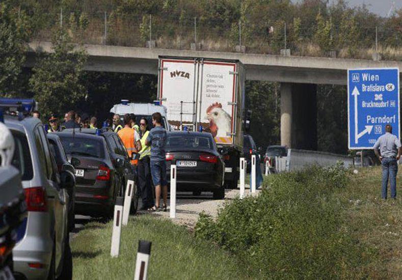 Horror en Austria: encontraron más camiones con personas encerradas