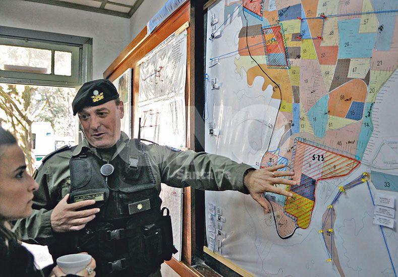 Mapa del delito. Zurita explicó cómo se zonificó la ciudad para planificar el trabajo de Gendarmería. / UNO de Santa Fe/Juan M. Baialardo