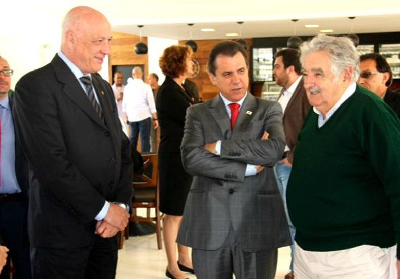 Bonfatti junto a Mujica y el alcalde de Sao Bernardo