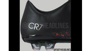 Son un fuego: aparecieron las imágenes de los nuevos botines de CR7