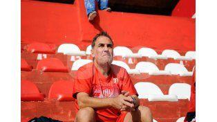 Madelón piensa en cambiar parte del sistema defensivo ante Central / Foto: Mauricio Centurión - Uno Santa Fe
