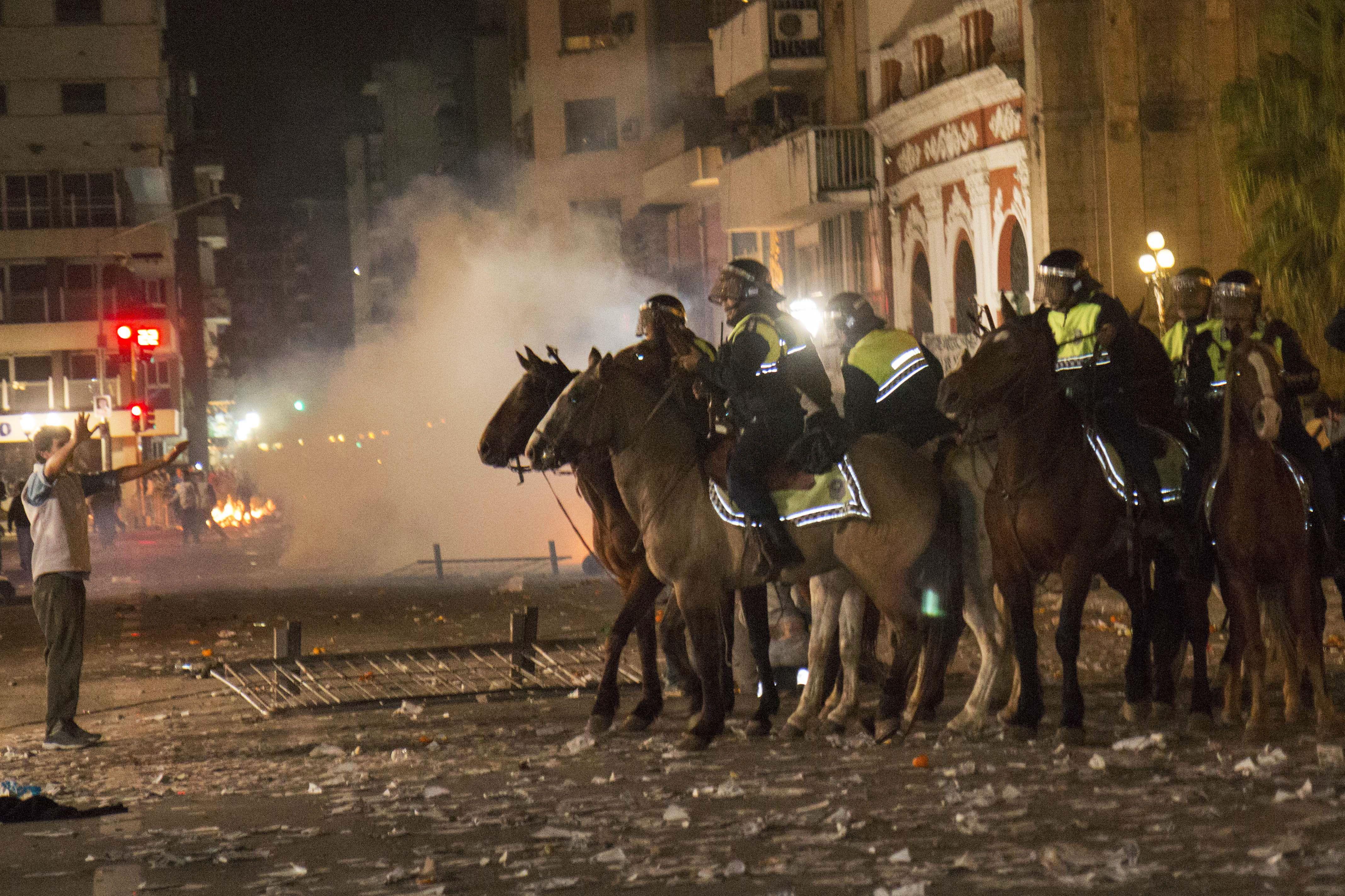 Ardió Tucumán. La represión fue injustificada y generó reproches desde todos los sectores políticos.