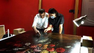 Agujereó un cuadro de 1.5 millones de dólares al tropezar en un museo