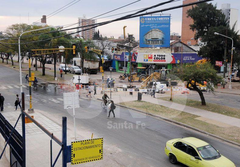 Los trabajos en el socavón iniciaron hace 20 días. Foto: Manuel Testi / Diario UNO Santa Fe