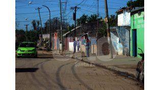 Progreso. En el marco de las obras de pavimentación en el barrio se colocará la cartelería. Foto: José Busiemi / Diario UNO Santa Fe