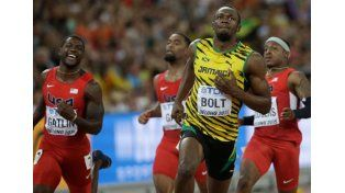 El jamaiquino Usain Bolt retuvo el título mundial en los 100 metros libres