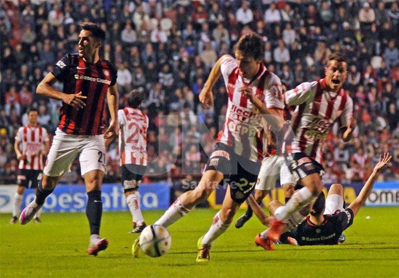 Soldano tendrá nuevamente la chance de ser titular ante la expulsión de Riaño./ Manuel Testi.