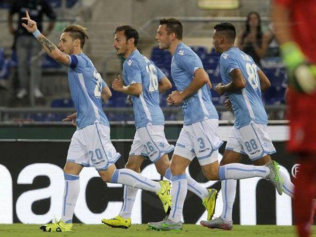 La maldición del Tata: Biglia marcó un gol y se retiró lesionado