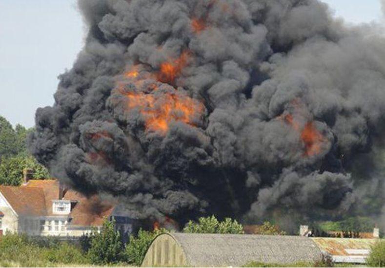 El avión se estrelló cuando estaba haciendo una maniobra acrobática. Crédito: BBC Mundo