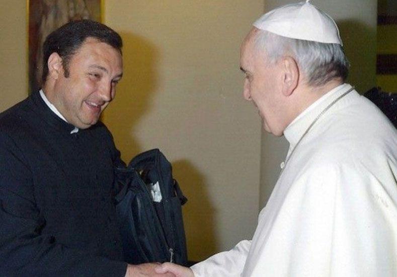 Saludo. Luis Alberto Brizzio viajó al Vaticano en el mes de noviembre y se entrevistó con el Papa.