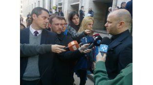 El abogado de Javier Bazterrica hizo declaraciones antes de ingresar a tribunales con su defendido. (Foto:C. Mutti)