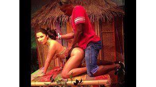 """Preocupa el """"acoso"""" a la estatua de Nicki Minaj"""