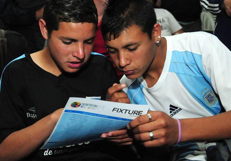 Presentaron un torneo de fútbol para promover la convivencia pacífica entre jóvenes
