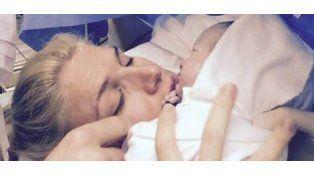 Nació Constantino, el hijo de Carolina Oltra: fotos