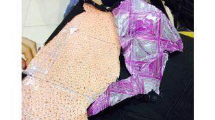 as pastillas de éxtasis ocultas en el doble fondo de la valija / Foto: Prensa AFIP