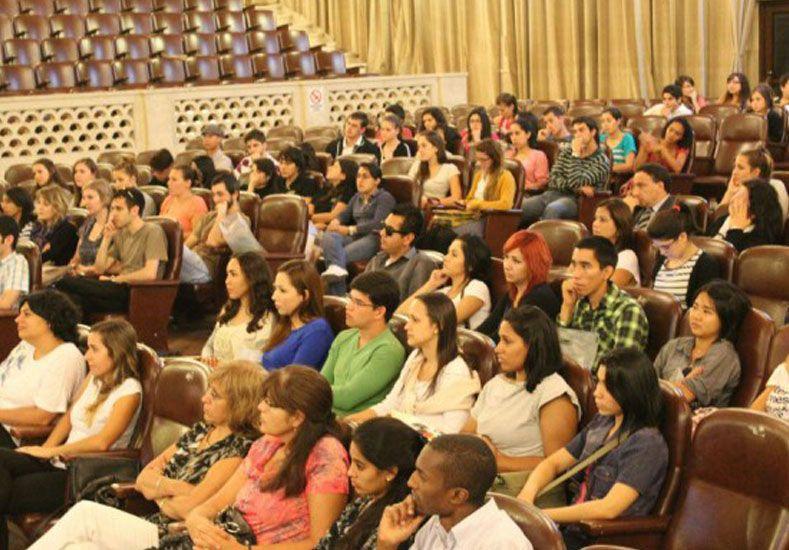 Se duplicó la cantidad de alumnos de otros países que estudian en la UNL