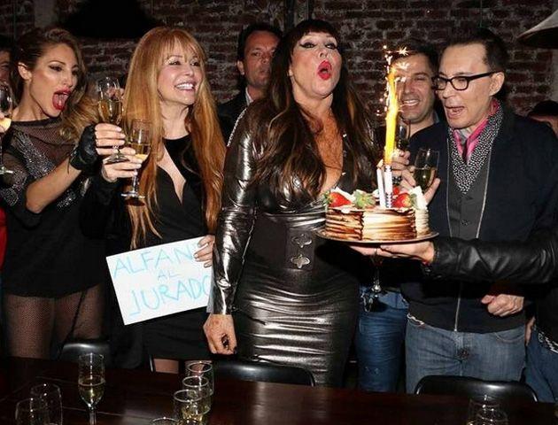 La jurado de ShowMatch fue a cenar con amigos y seres queridos para el festejo de su cumpleaños.