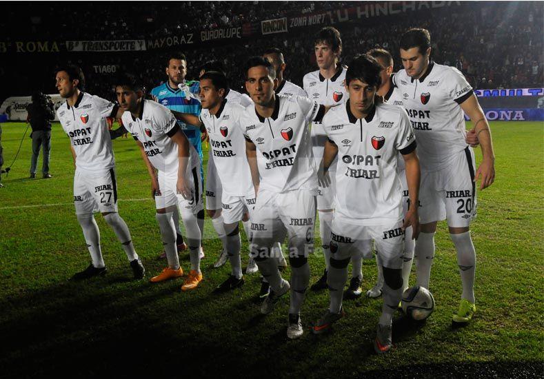 El equipo sabalero tendrá que mejorar el rendimiento si pretende dejar atrás los malos resultados y obtener una victoria / Foto: José Busiemi - Uno Santa Fe