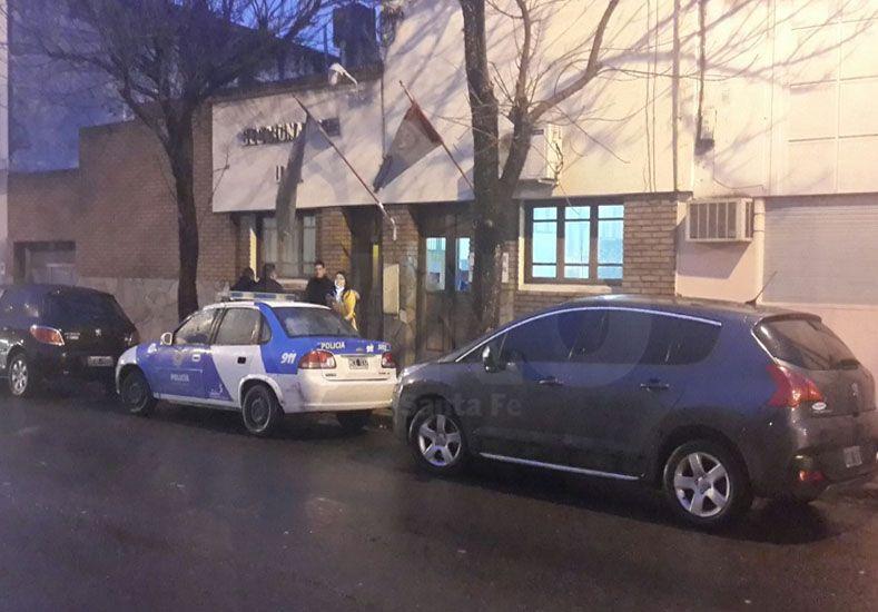 El auto secuestrado en el que se movían los ladrones