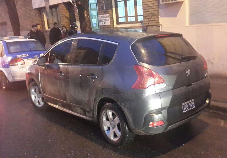 El auto secuestrado y en el que se movían los ladrones