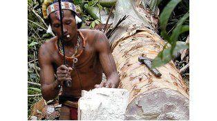 La tribu de dientes afilados que se tatúa y adivina el futuro