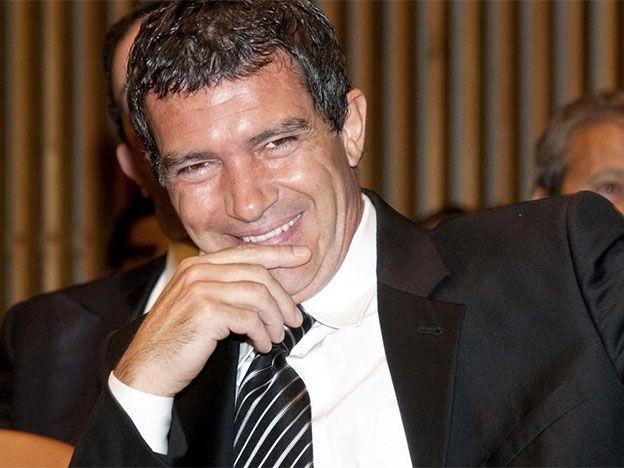 Antonio Banderas cumplió 55 años y sus fans lo llenaron de cariño