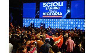 Scioli se erige como el candidato más votado de las Paso, seguido por Macri y Massa