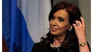 Cristina regresó a Buenos Aires para seguir los resultados