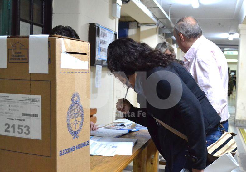 Las elecciones en la ciudad de Santa Fe.  Diario UNO Santa Fe / Bárbara Favant